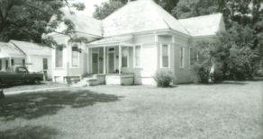 319 East Groesbeck Street