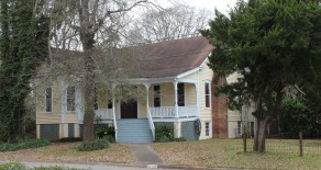 210 Lanana (Charles Hoya House)
