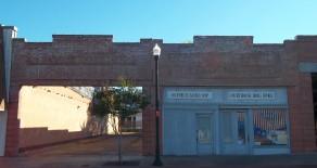 218/216 East Lufkin Avenue