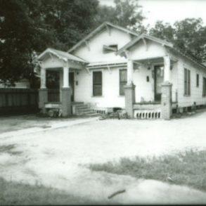 307/309 East Groesbeck Street