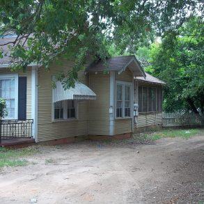 139 West Austin